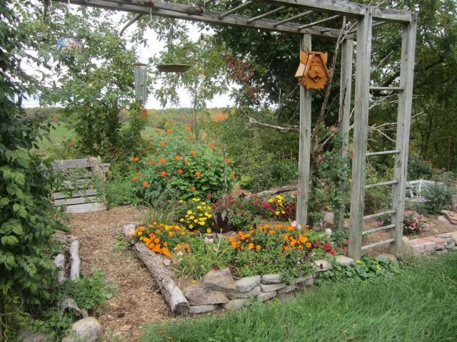 annual-garden-and-compost-bin