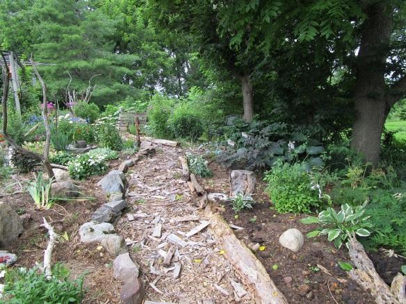 001 path white garden