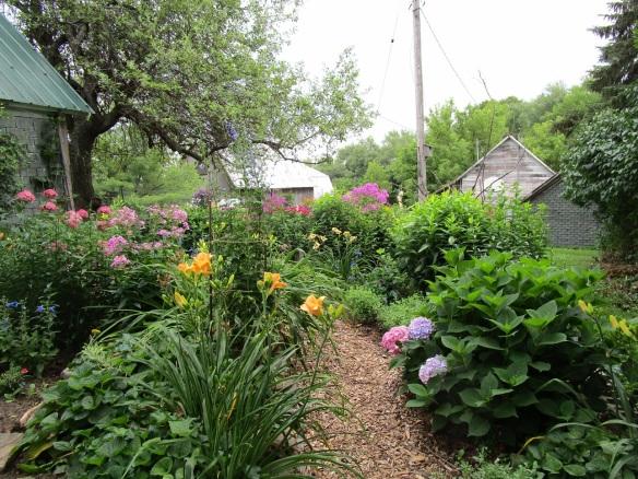 012 path meditation garden