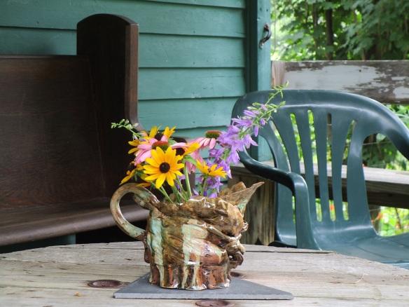 Rachels vase w wildflowers