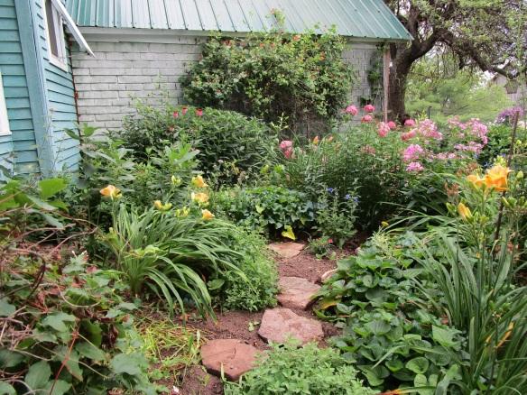 stones meditation garden